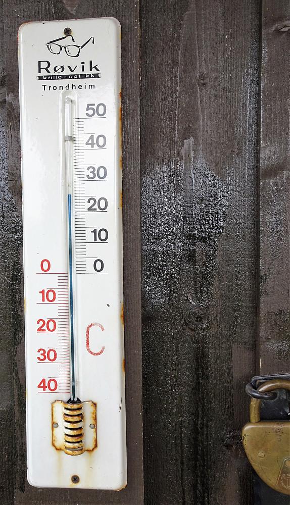 Drøye 25 grader i skyggen ved ankomst Schulz