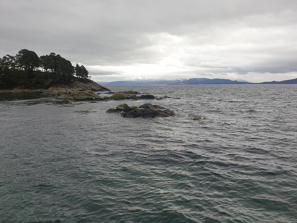 Fra Røttingen stupetårn mot sørøst og Tysnesøya.