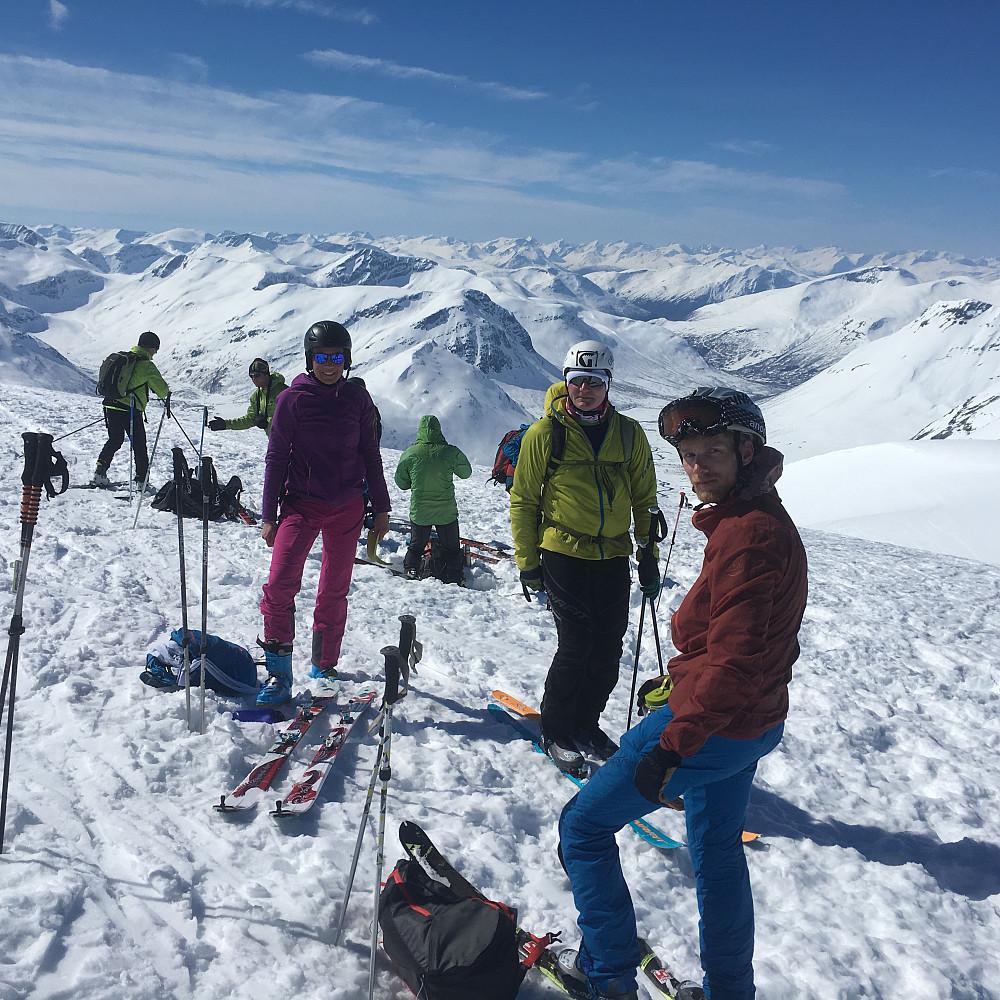 På toppen sammen med 5 franskmenn som traff bra med ferieuka i Romsdalen!