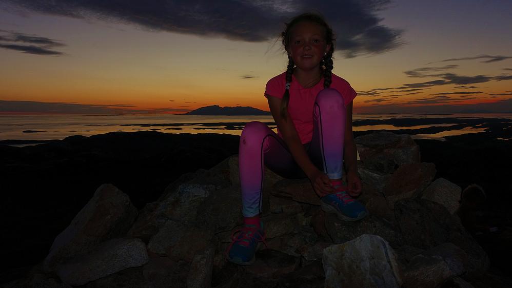 Ella syntes nok at Torghatten var den kuleste toppen å bestige på sommerferien.