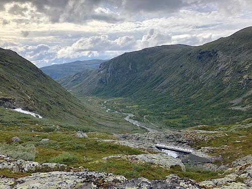 Tilbakeblikk nedover Helgedalen.