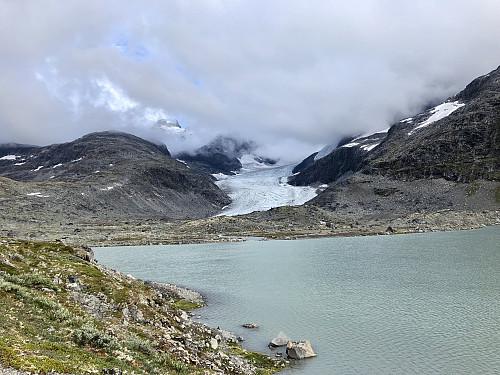 Vannet på 1250. Utsikt opp mot Styggedalsbreen.