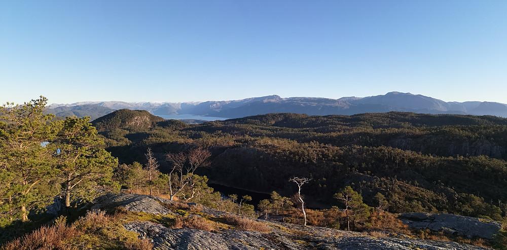 Utsikt mot øst retning Folgefonna