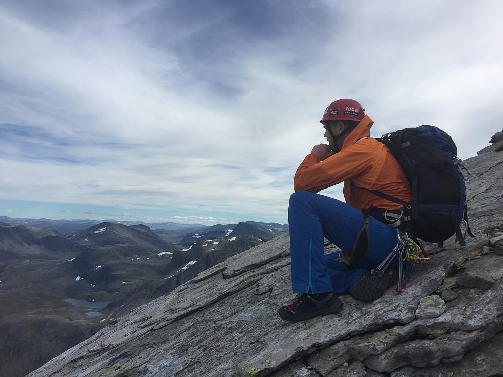 Arnt Owe holder foredrag om alle fjellene vi andre ikke har vært på