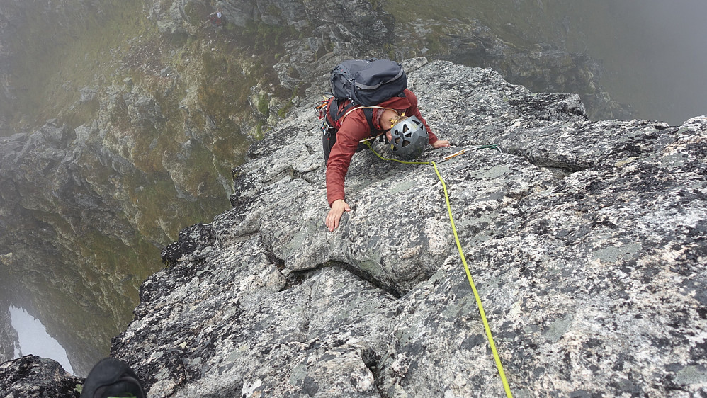 Jeg klatrer. Foto: Arnt Owe