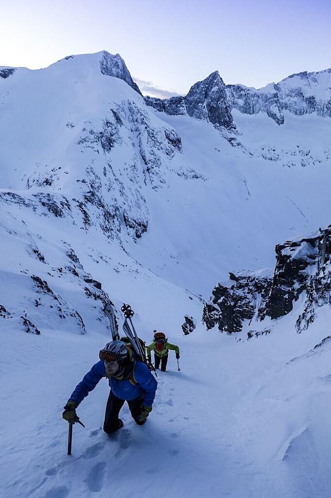 På veg opp renna mot Glennfjellet. Foto: Håkon Lundkvist