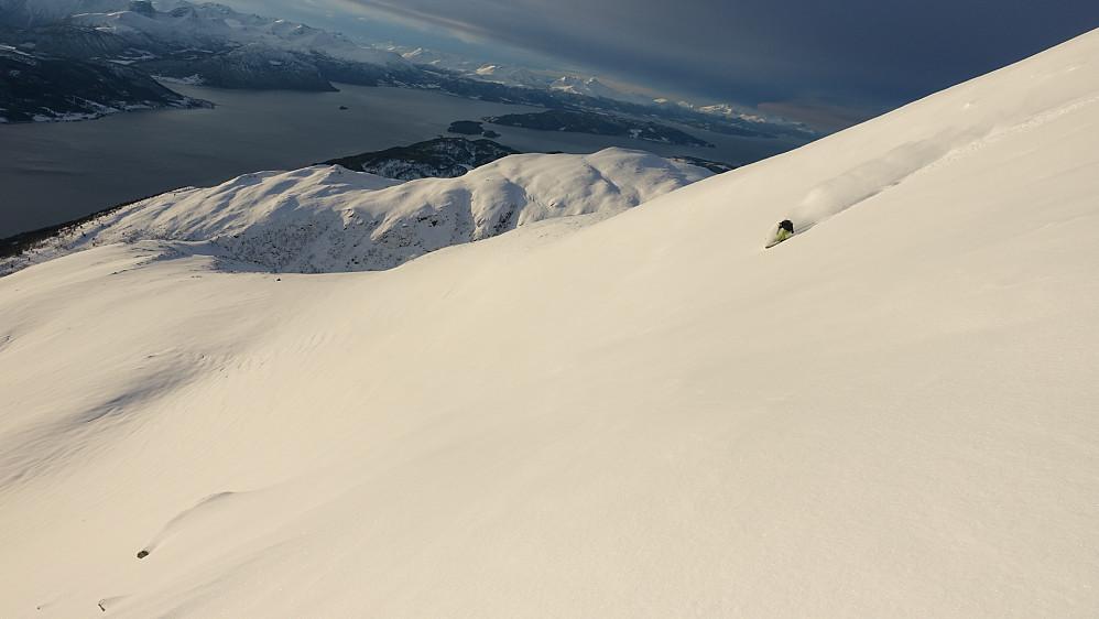 Foto: Arnt Owe.  Asbjørn kjører på fine forhold