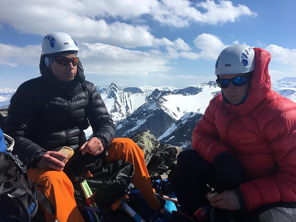 Finn og Håkon på toppen