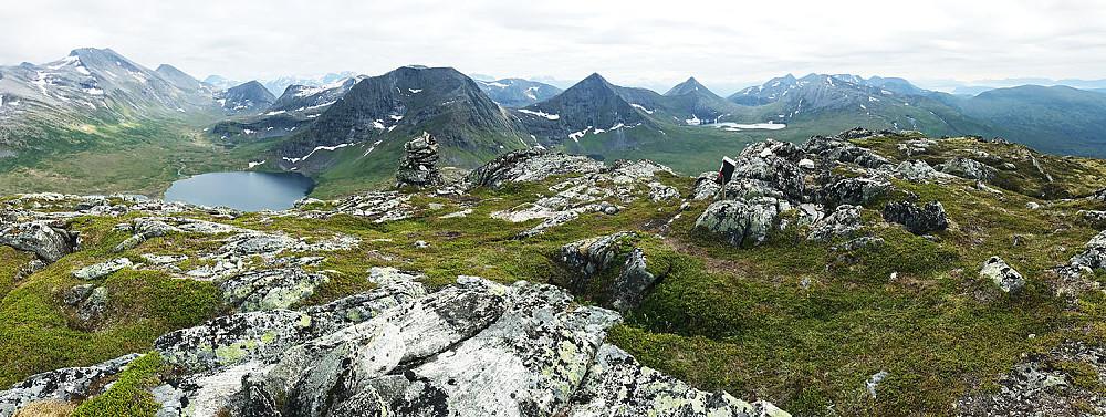 Måsvatnet og omliggende fjell