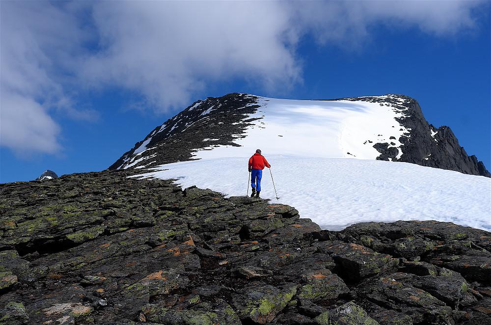 Til fots opp sørvest-ryggen til Svartfjellet