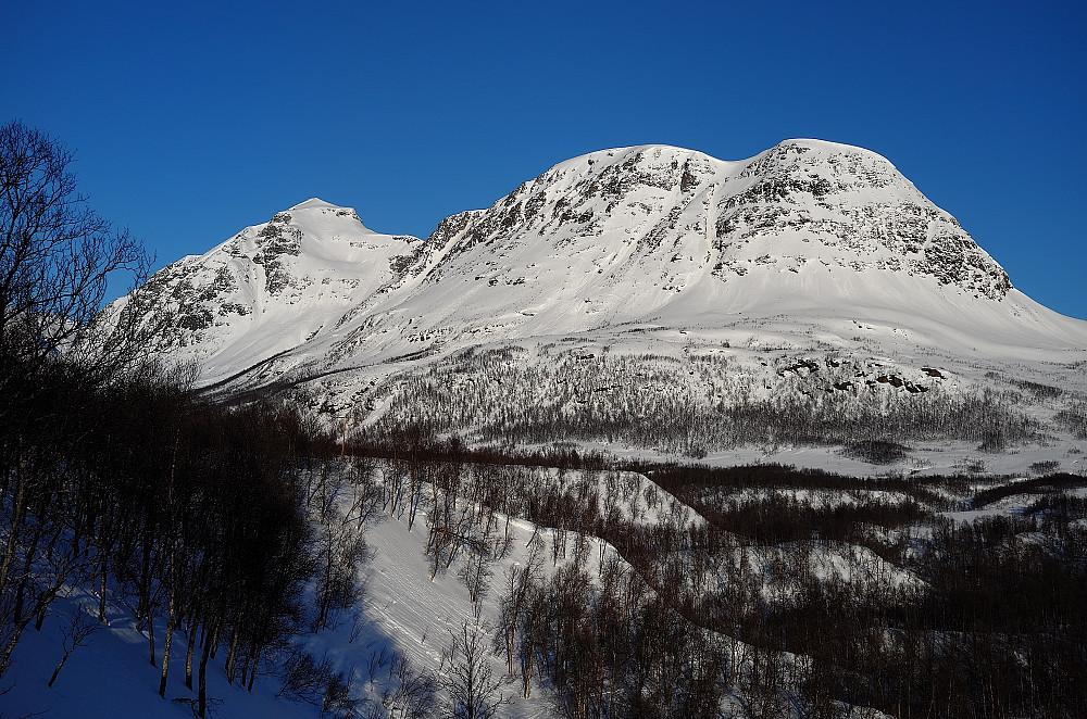 Storfjellet til venstre for Breidalfjellet