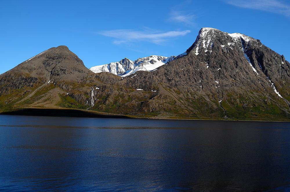 Høyest i Skjervøy - Store Kågtinden (bakerst).
