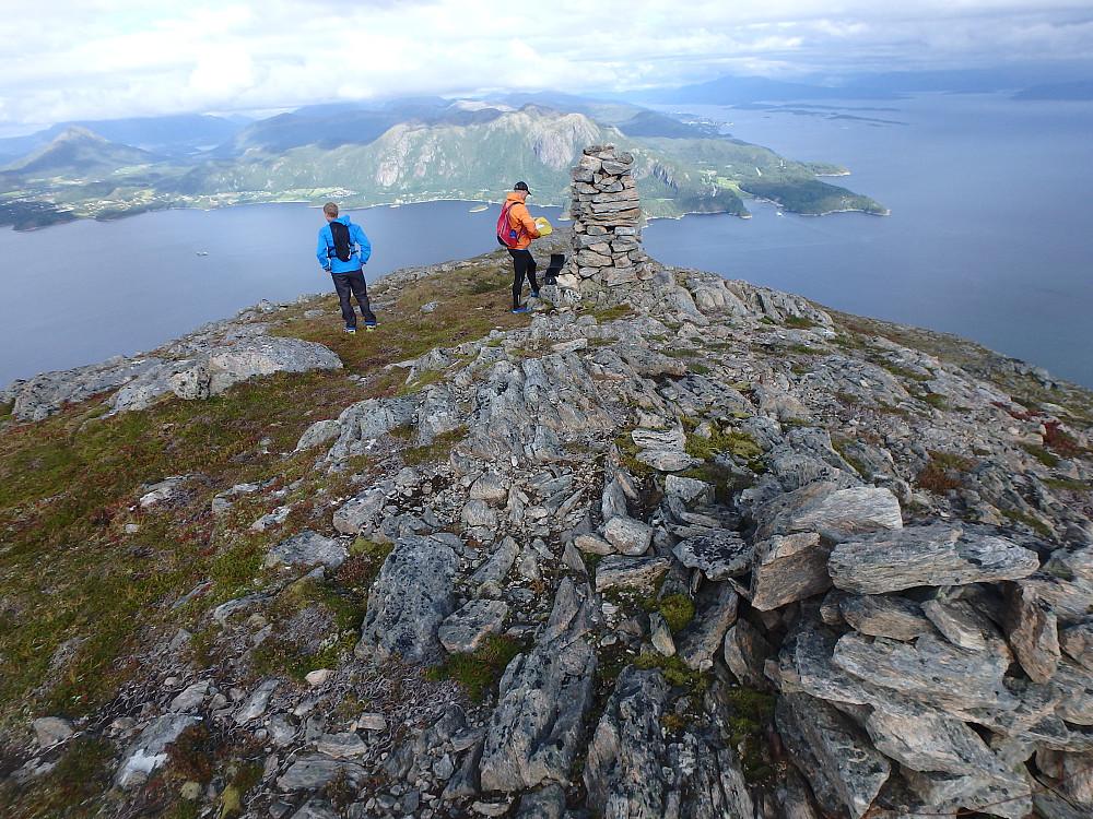 Østenden er nådd og vi kan se Molde.