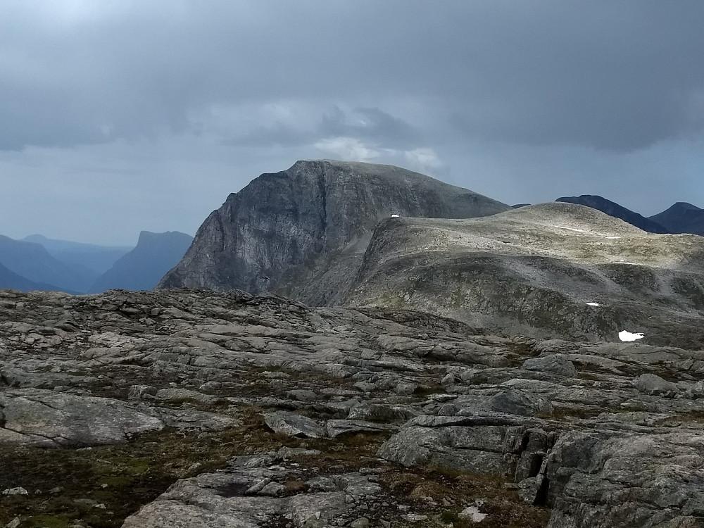 Tilbakeblikk mot Bjørktinden og Bjørkleggen.