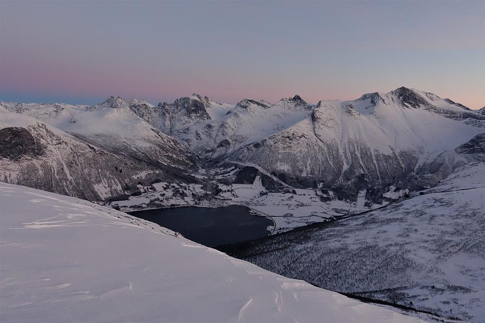 Fra Skarven mot Innfjorden.