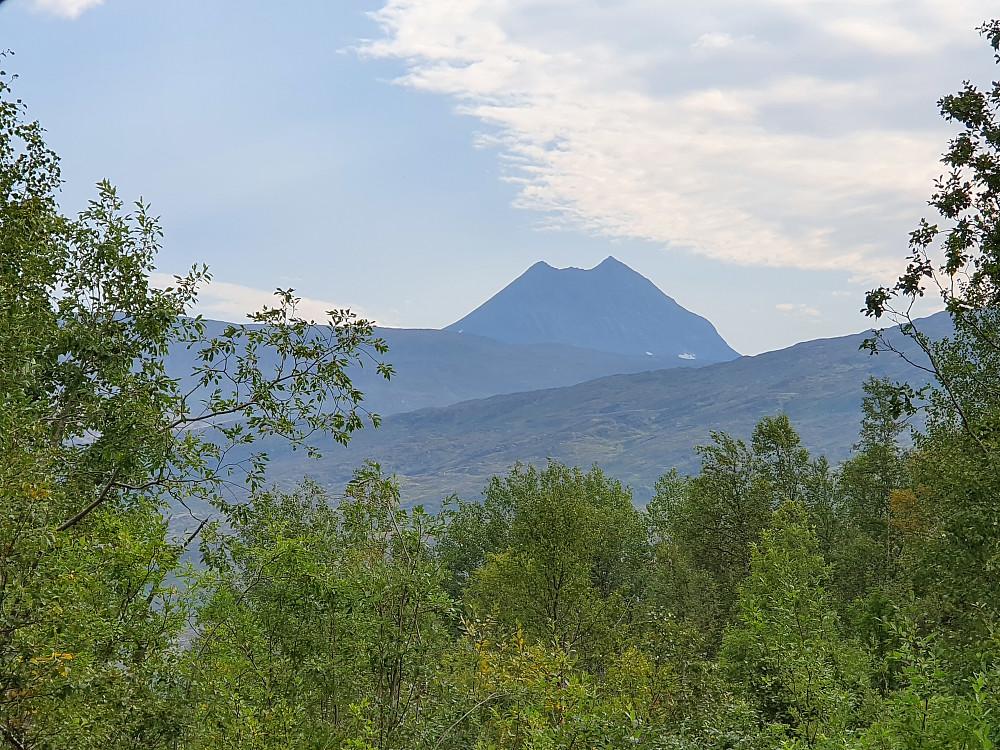 Vardetoppen og Stortoppen sett fra høydene sør for Sulitjelma