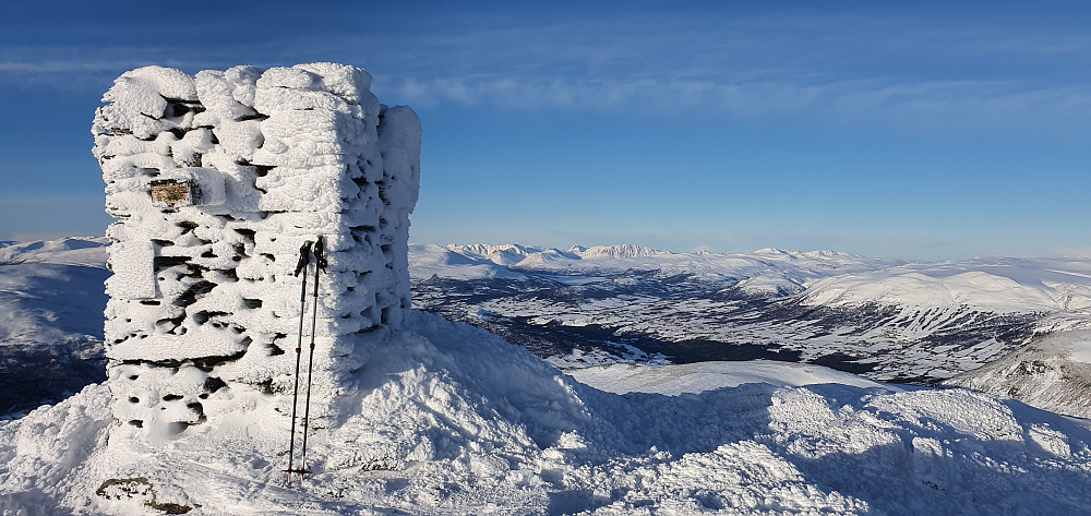 På Sissihøa med den praktfulle utsikten mot Oppdalsbygda og Trollheimen