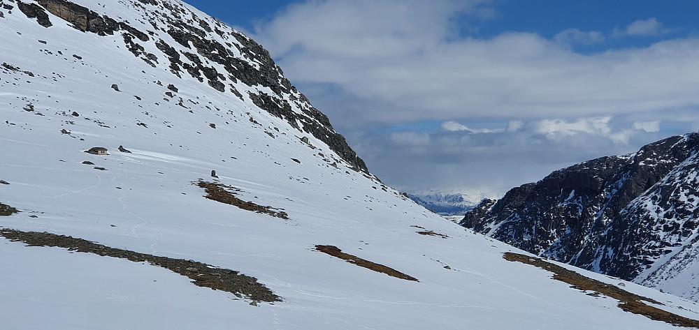Hytta i Svartdalen kan skimtes til venstre