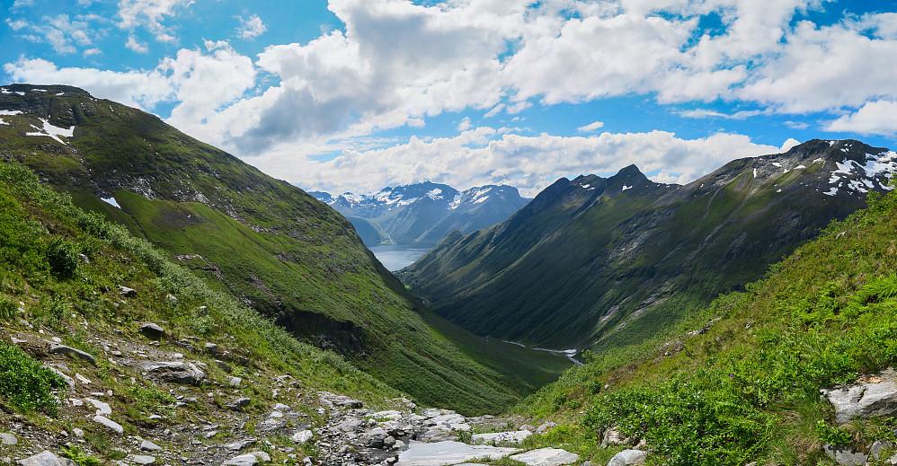 På vei opp Grøtdalen