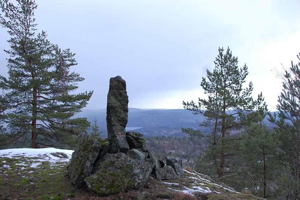 Merke for fylkesgrensa på Kjølås