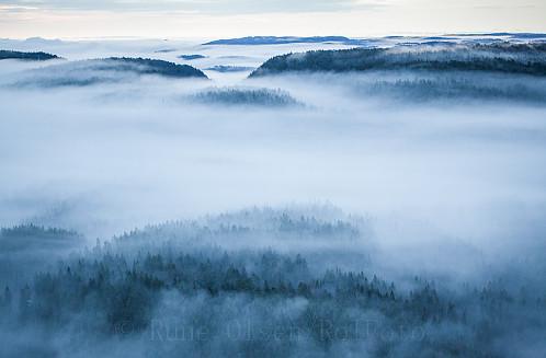 Tidlig tåkemorgen sett fra Kittilskollen