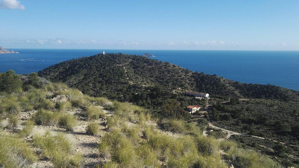 På Castilla fikk jeg overblikk over området og tårnet på toppen.