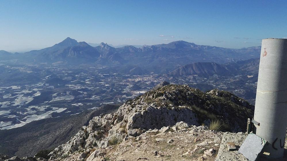 Utsikt fra toppen mot Puig Campana, som jeg var på for et par dager siden.