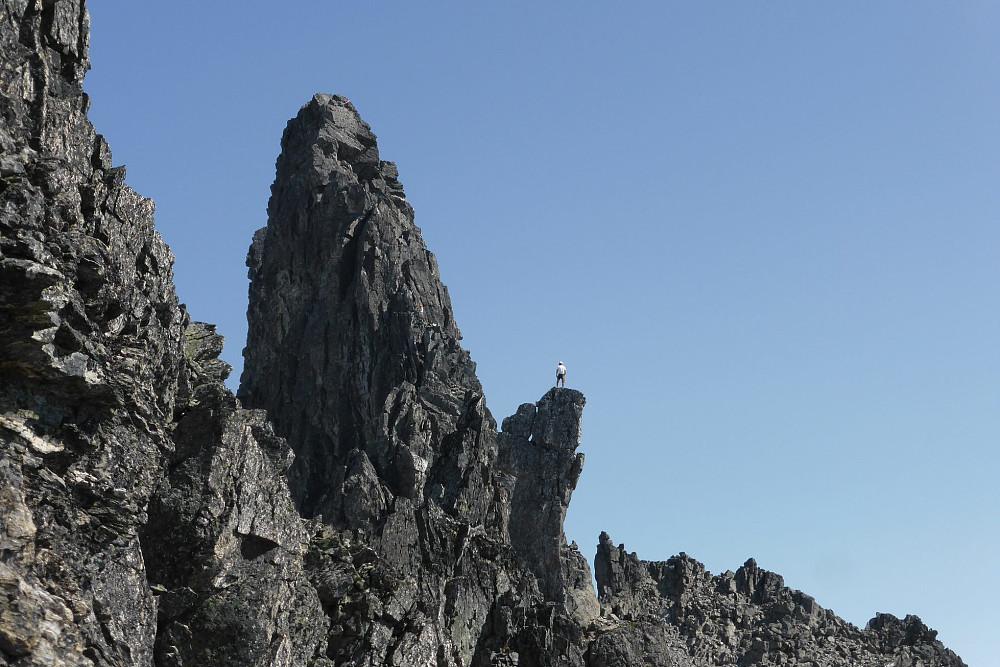 Våre venner fra Østerrike tok dette bildet av meg på toppen av Torshammeren, og med Kvanndalstinden bak til venstre. Takk for det!