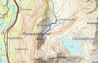 Ruter på Hornet: Gult: Nordveggen (4) Blått: Normalveien (3) Rosa: Lillehornet (5+), Hornaksla (1) og Olaskartind.