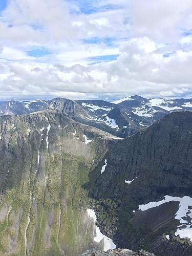 Brekkehornet og Gråfonnfjellet