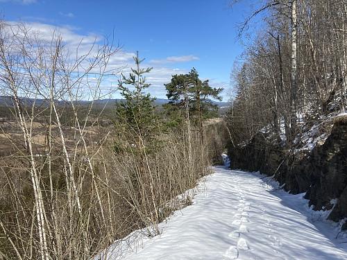 På vei oppover bakkene fra Teigen gård