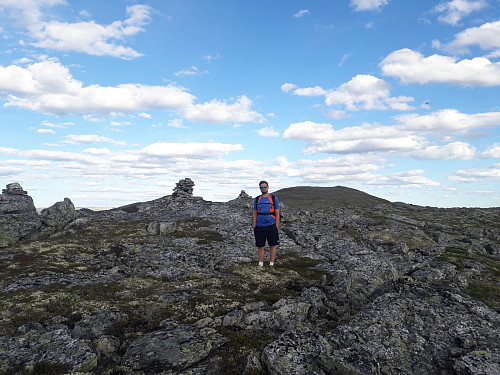 Nordøst for Østnubben med Storhøgda i bakgrunnen