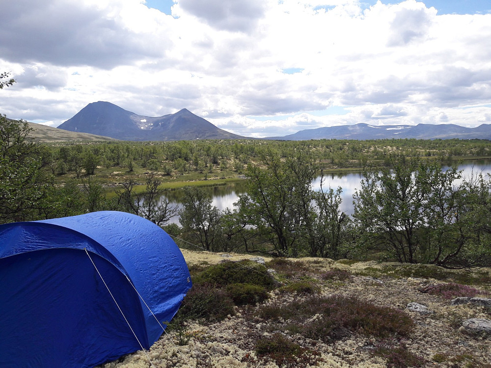Flott teltplass med nydellig utsikt