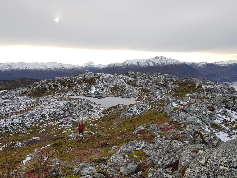 Hans Thorvald på vei opp Toskevassfjellet