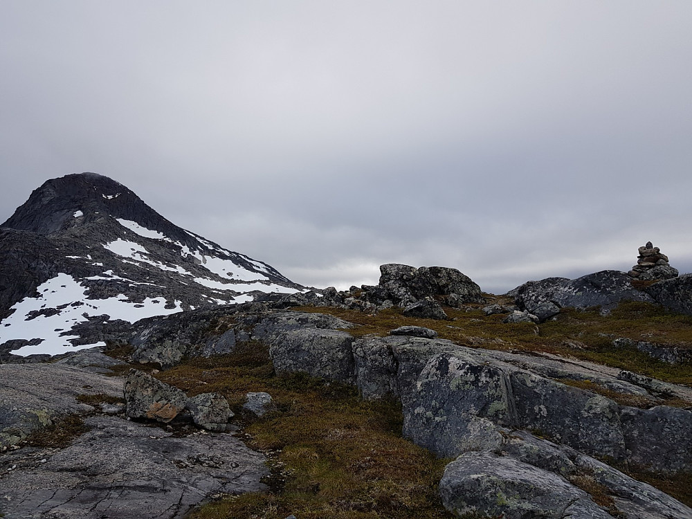 Nordre Fiskefjordtinden og varden vi bygget på Bollfjellet