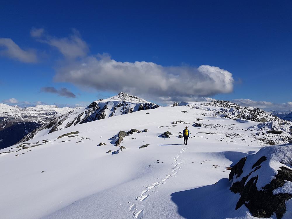 På vei bort til toppen av Storala