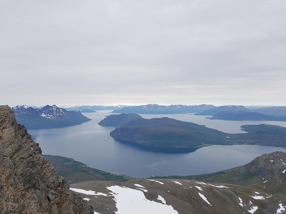 Utsikt fra Blåtinden mot blant annet Vardfjellet