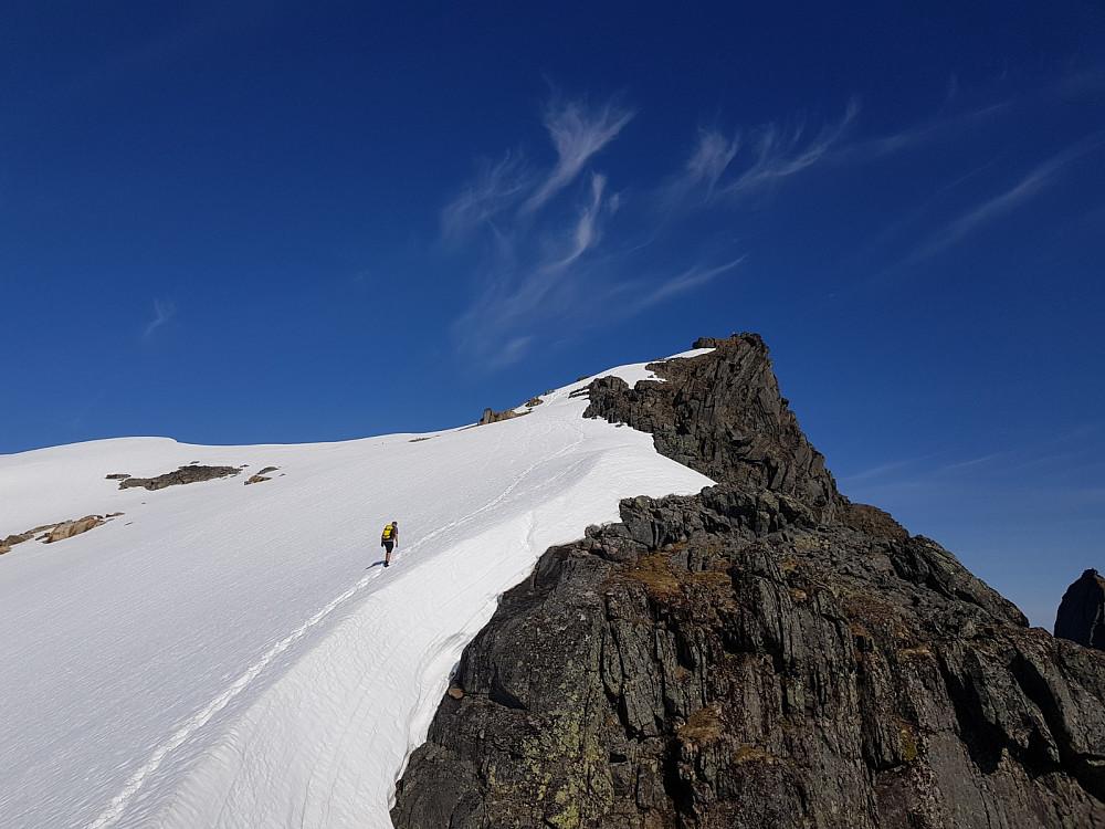 Hans Thorvald på vei de siste meterne til toppen