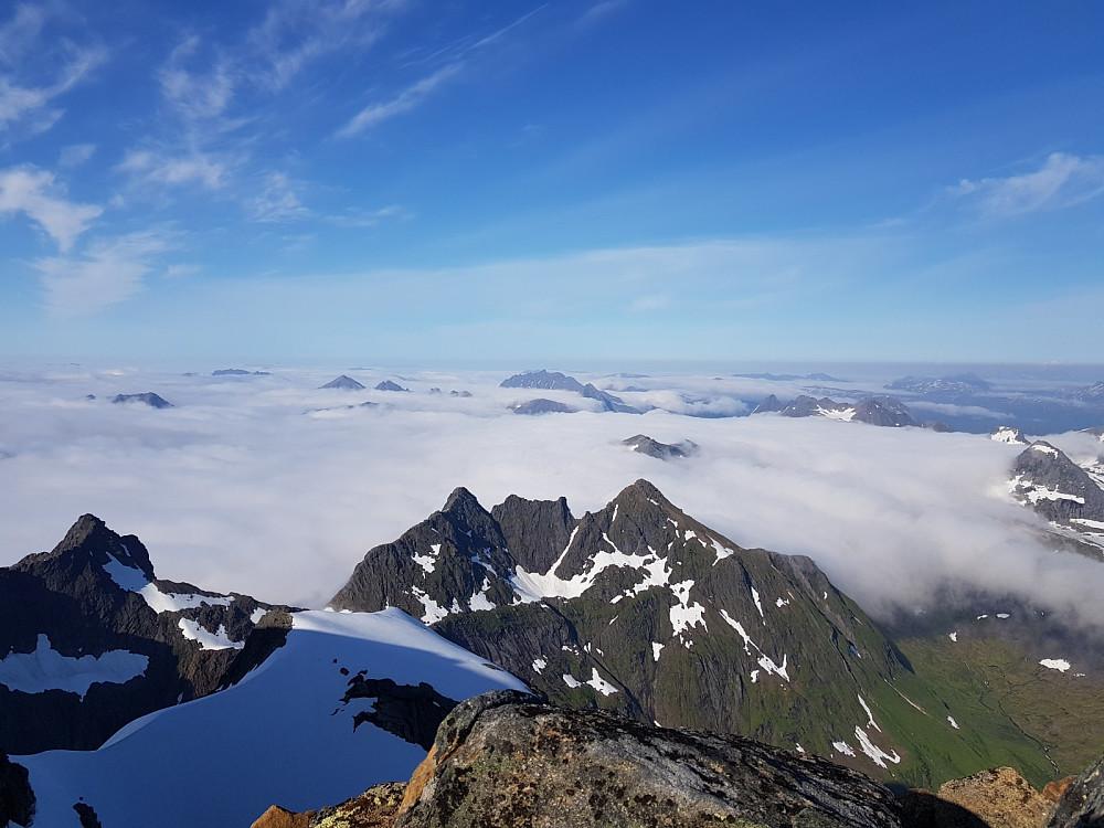Lavt skydekke gir fantastisk utsikt fra toppen