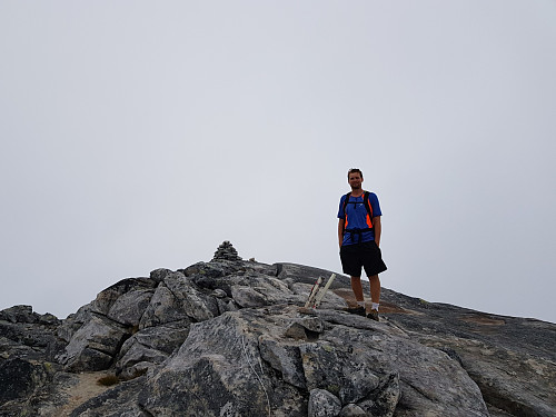 Hans Thorvald på toppen av Hatten