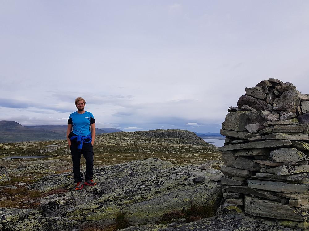 På toppen av Oledalsbrynane. Gravolskampen i bakgrunn