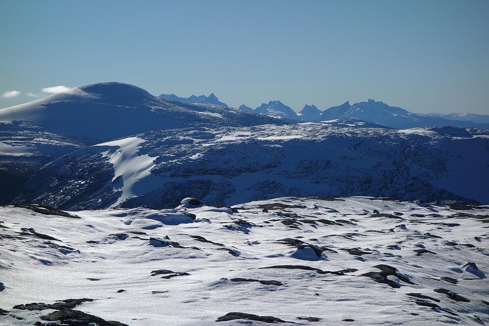 Utsikt fra Tverreggi mot Hurrungane.