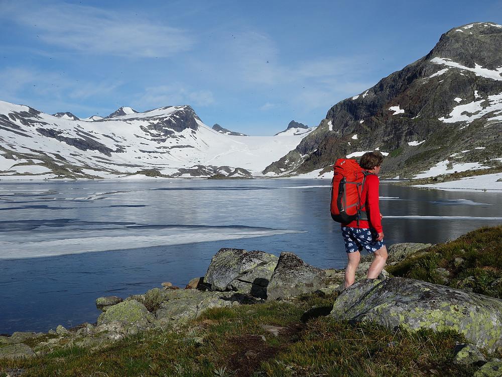 Ved Mjølkedalsvannet.