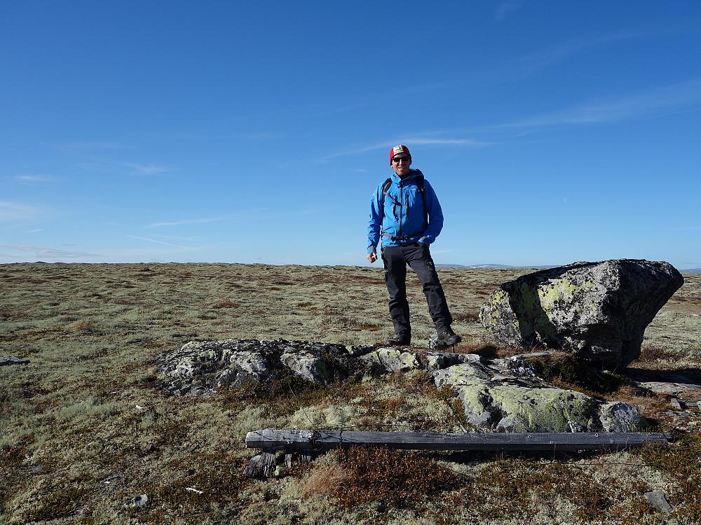 Trig.punktet på Brånåhøe ligger ca 5 meter lavere enn høyest punkt.