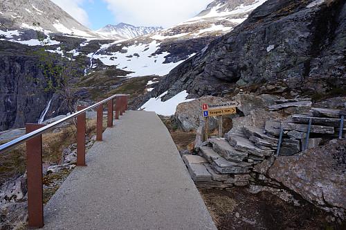 Sherpaer har lagd fin trapp oppover det værste partiet.