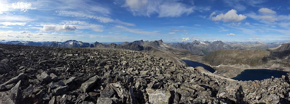 Panorama fra toppen av Skarfjellet.