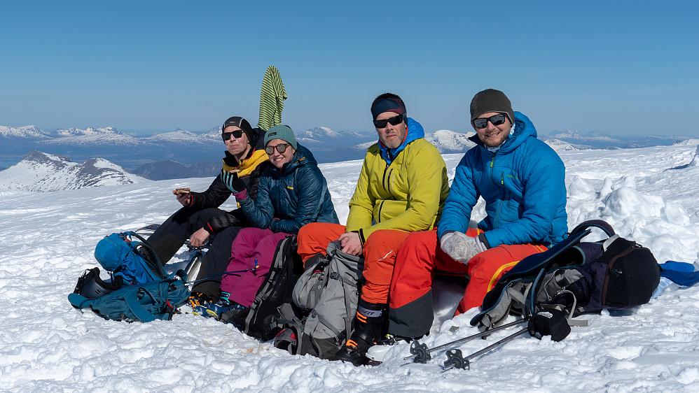Gjengen (minus fotograf Jacob) samla på toppen