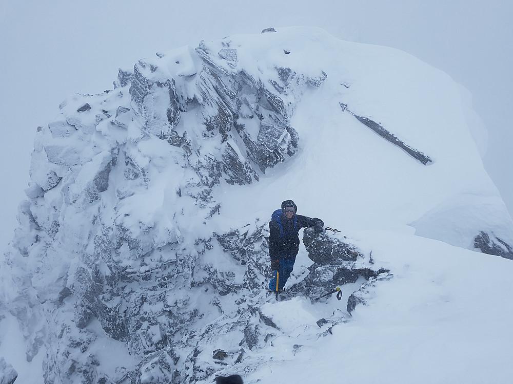 Kristian topper ut på den vestlige 1634-toppen.