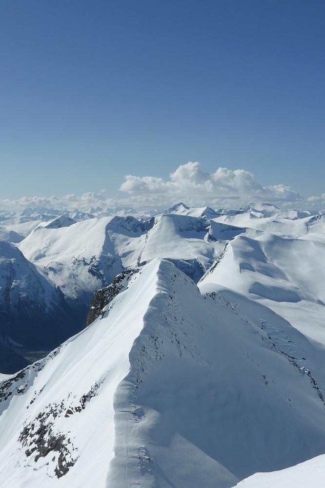 "Vi nærmer oss toppen på Vestre Litlskjorta (Foto: Toralf Furseth aka ""hyggelige nordmøring"")"