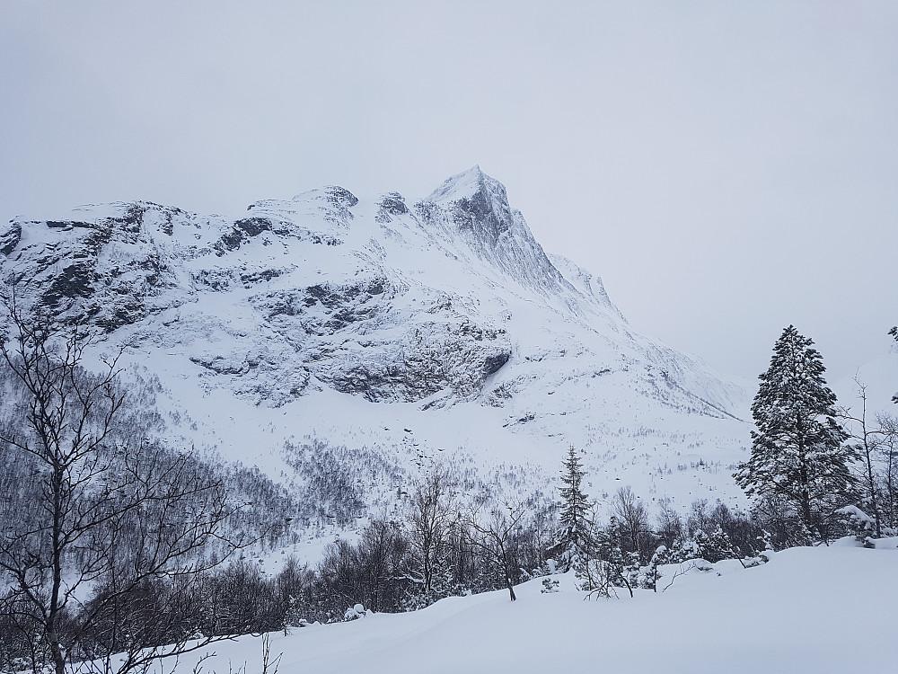 Nordryggen på Sunndalsnipa ser ut som en kul alpintur.